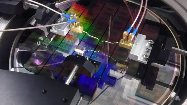 Cùng GenK điểm qua 5 ứng dụng của graphene có thể thay đổi toàn bộ ngành công nghiệp smartphone